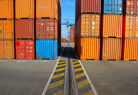 Container handling in seaport operations